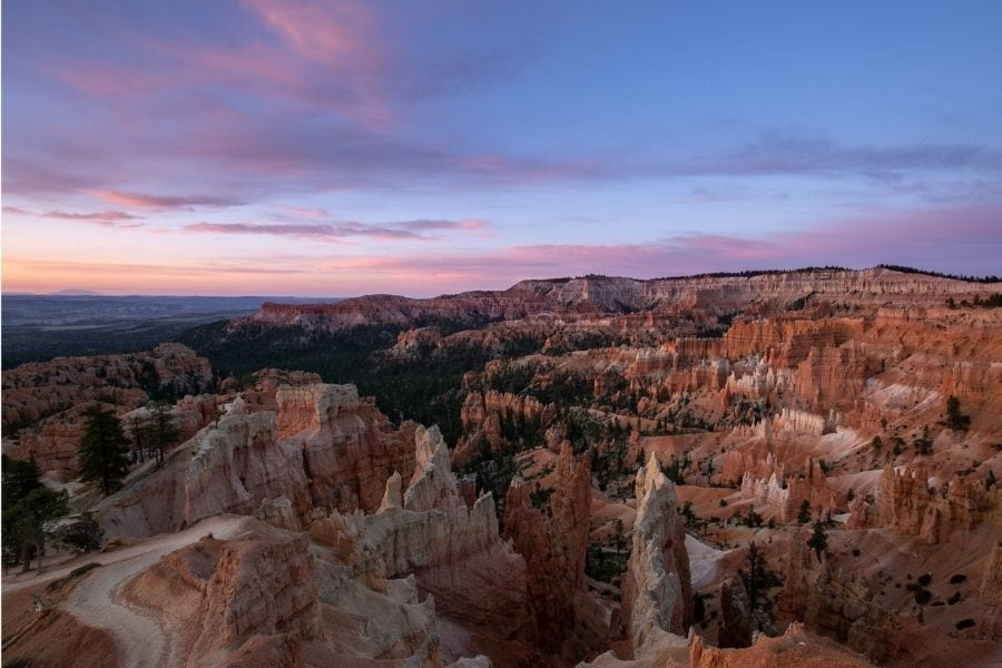 Sunrise over Bryce Amphitheater in Bryce Canyon National PArk