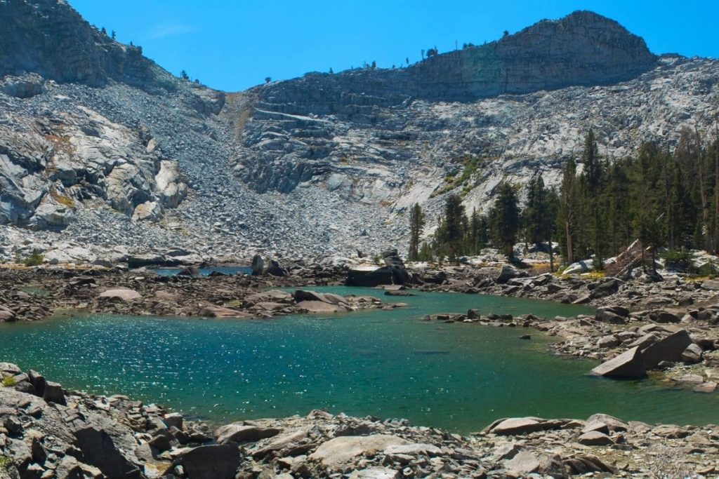Eagle Lake amongst the mountains in Sequoia National Park