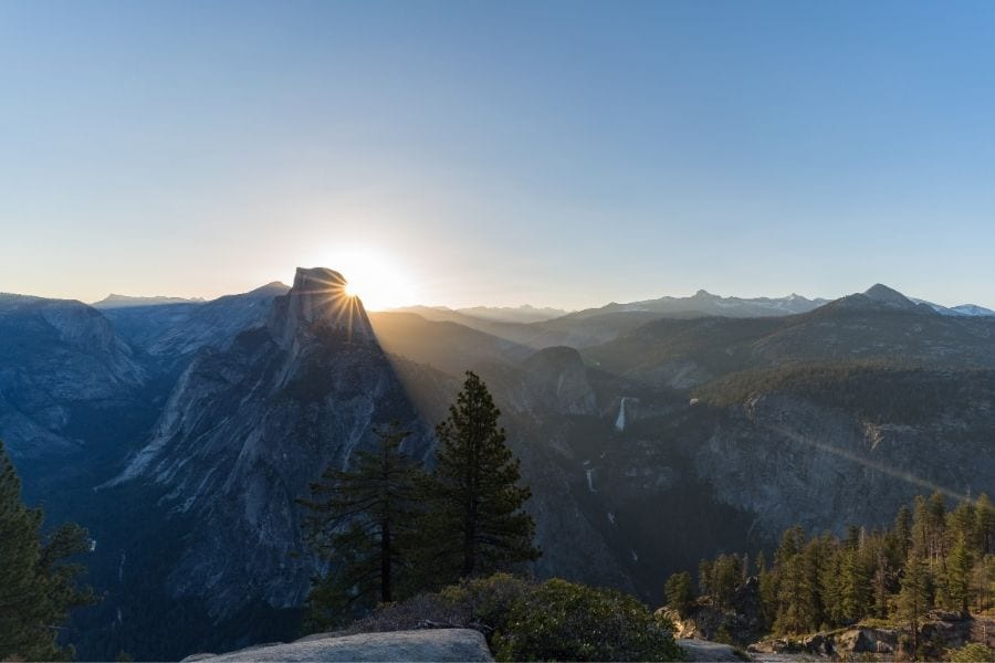 Glacier Point sunrise in Yosemite National Park