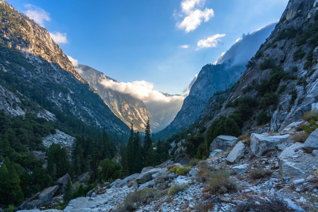 Trail to Mist Falls in Kings Canyon National Park