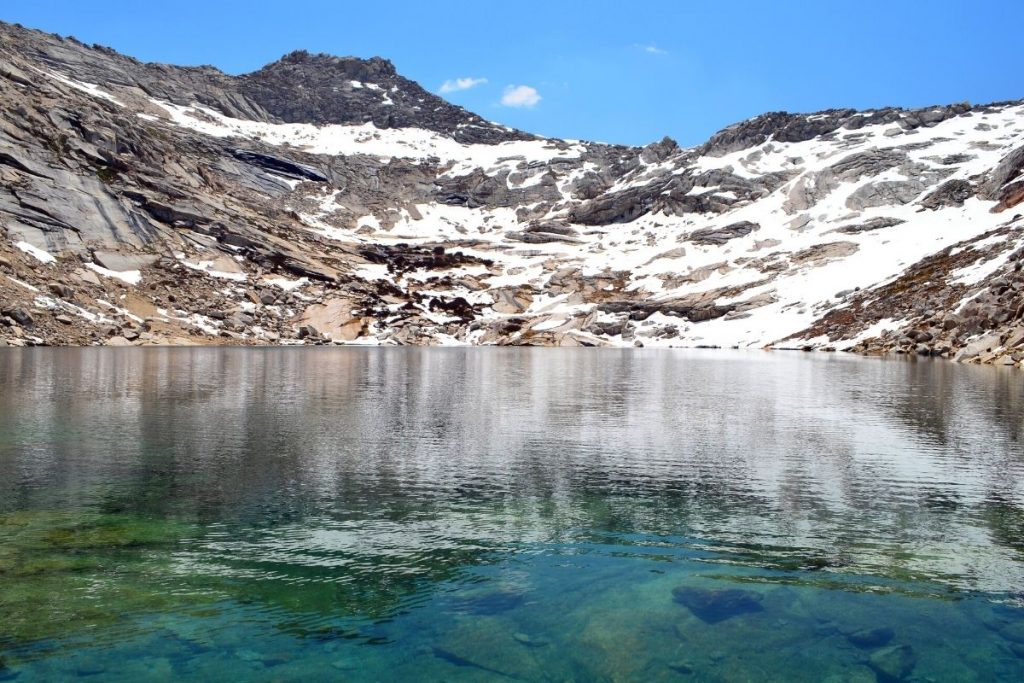 Snowy mountains along Monarch Lakes in Sequoia National Park