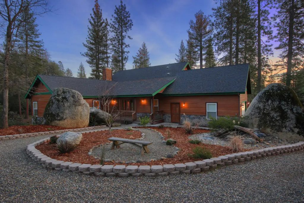 Red Tail Retreat Yosemite